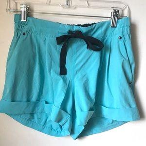 LULULEMON Aqua cuffed blue shorts 6 drawstring